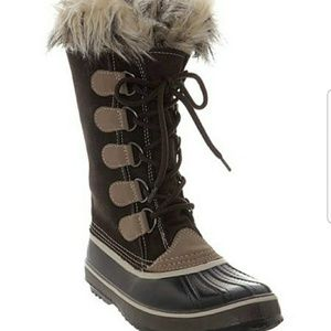 Capelli of New York duck boots